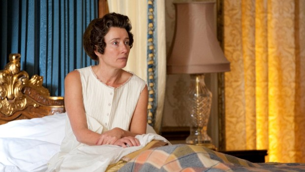 The Queen (Emma Thompson) wakes to find an Intruder in her room.