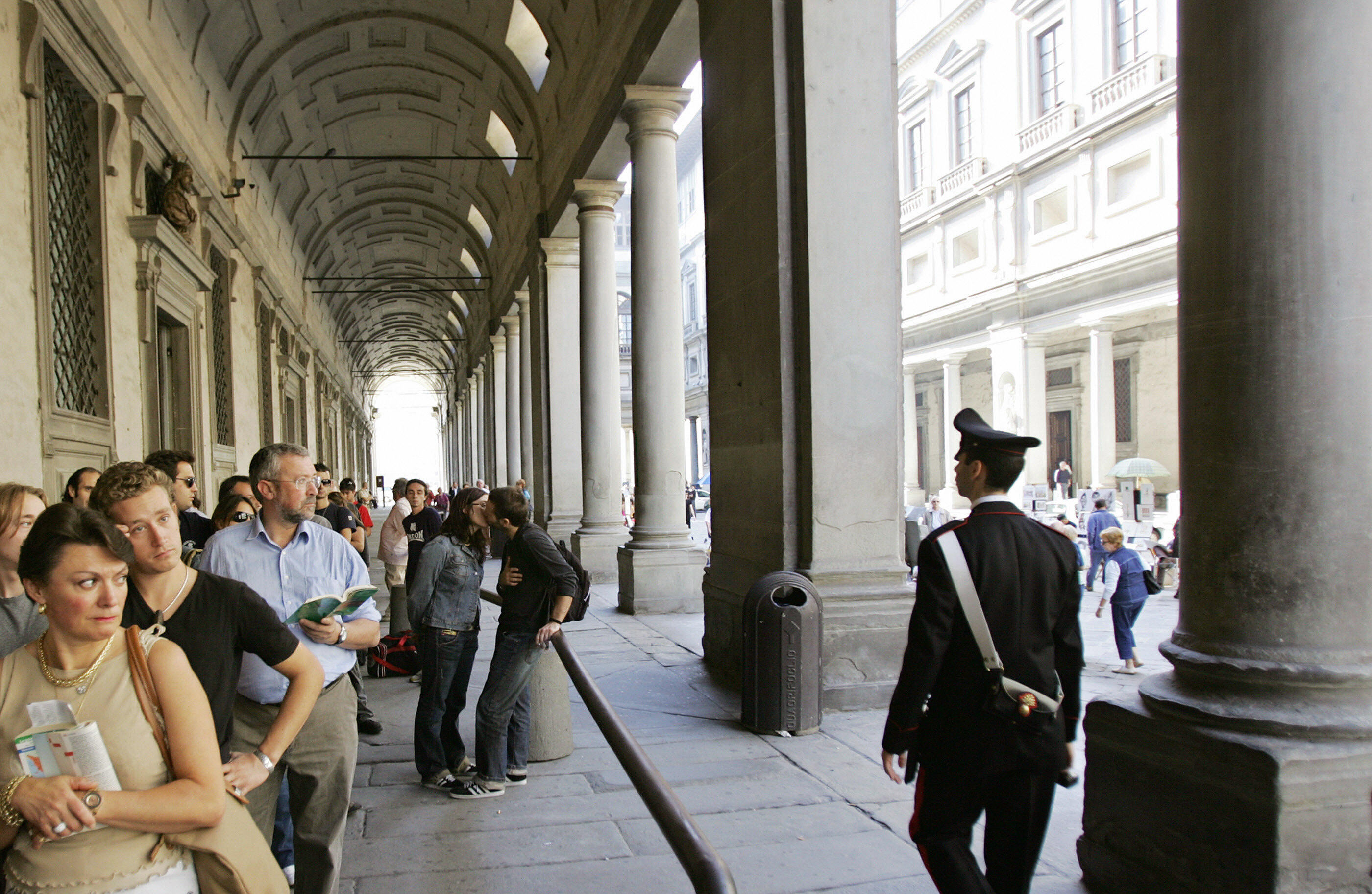 Picture of the arcades of the Uffizi in