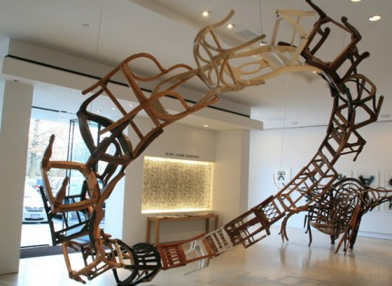 Marc André Robinson, Right Of Return (By Themselves and Of Themselves), 2008 - 2010, Legno trovato (sedie, ferro), 430 cm diametro, Courtesy l'artista e Salamatina Gallery, New York