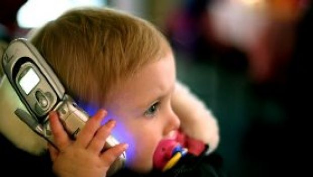 cell phone effects on life essay Negative effects of cell phones 1731 words | 7 pages task easier a cell phone is a type of technology that is a common thing to see in everyday life.