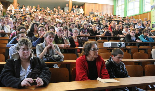 FRANCE-GOVERNMENT-EDUCATION-SCHOOL-YEAR-START