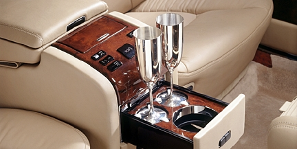 maybach champagne set