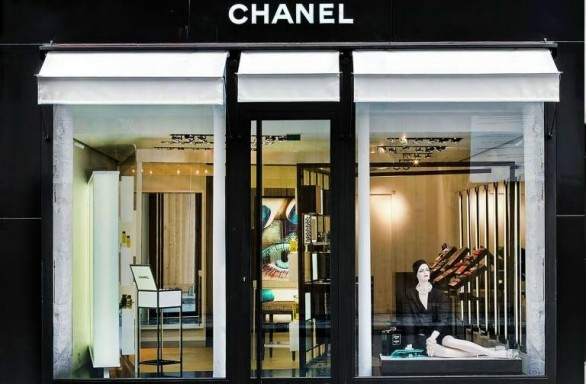 Chanel apre pop-up beauty boutique di lusso a Parigi