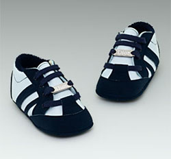 baby sneakers Louis Vuitton