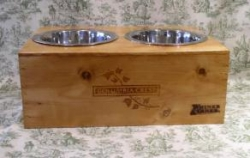 wine-crate-dog-dishes