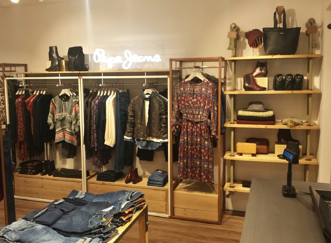 pepe jeans london roma nuovo store roma termini foto. Black Bedroom Furniture Sets. Home Design Ideas
