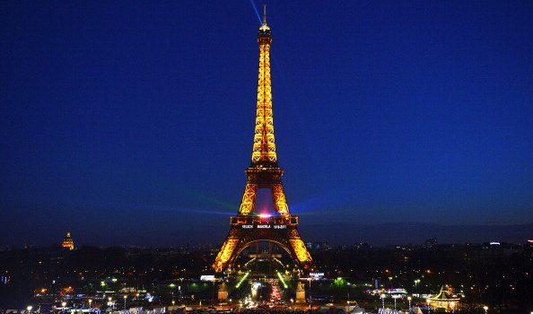 Tribute To Mandela At The Trocadero And Eiffel Tower In Paris