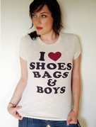 I Love Shoes Bags and Boys, la T-shirt di Paris Hilton