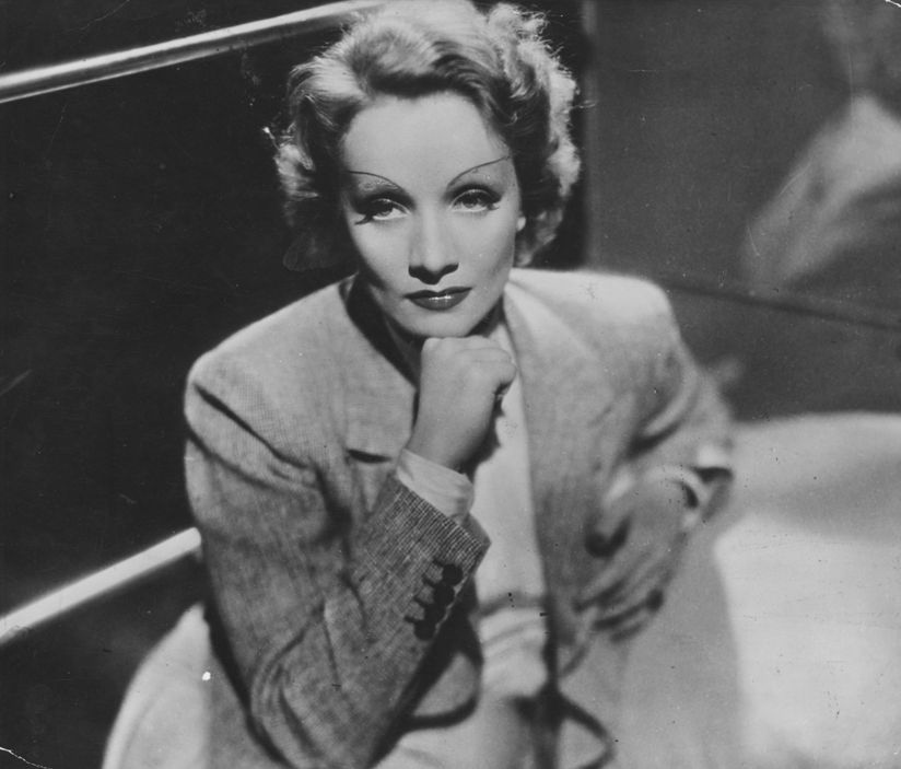 circa 1940:  The film star Marlene Dietrich (1904 - 1992).  (Photo by Hulton Archive/Getty Images)