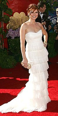 debra messing emmy awards 2006 alberta ferretti