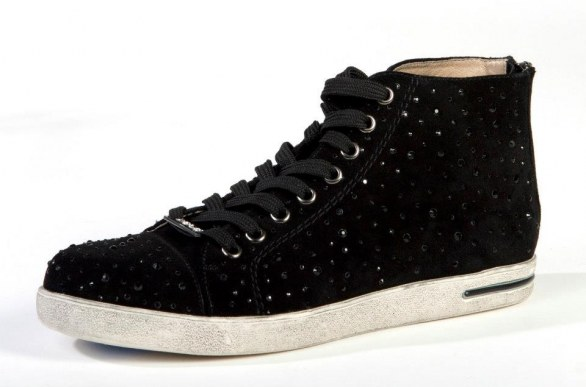 gli accessori must have per l'inverno 2013 sneakers borchie Liu Jo