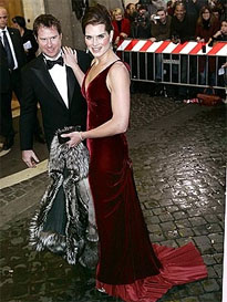 brooke schields in oscar de la renta matrimonio tom cruise katie holmes