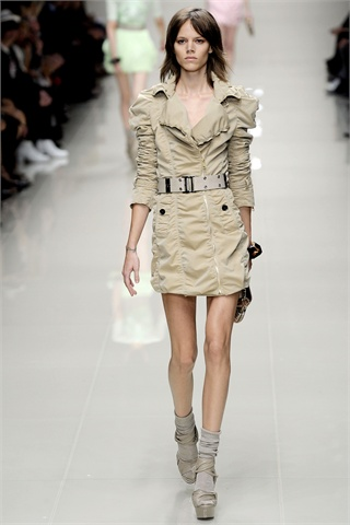 Must have per la primavera: il trench