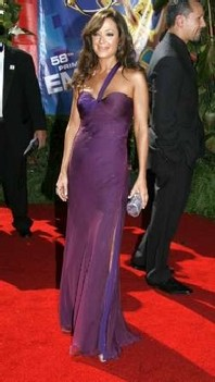 leah remini emmy awards 2006 versace