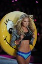 Victoria's Secret Fashion Show 2013 Elsa Hos