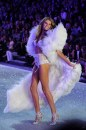 Victoria's Secret Fashion Show 2013 Maryna Linchuck