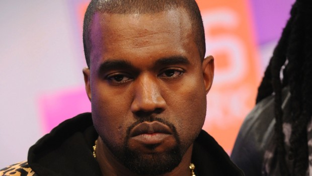 Kanye West a processo?