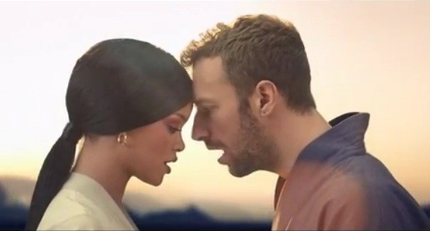 rihanna-and-chris-martin-in-the-music-video-of-princess-of-china