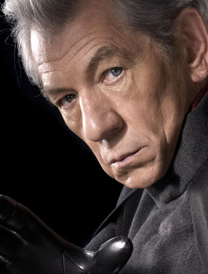 Sir Ian McKellen esorta a fare coming out