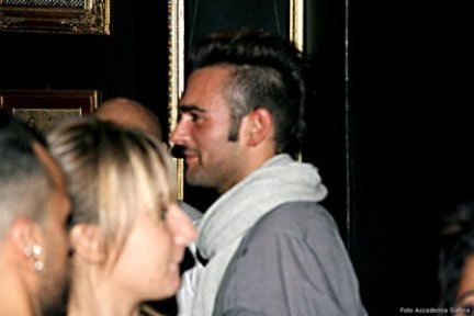 marco mengoni locale gay