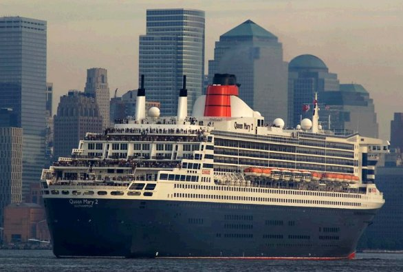 queen mary 2 a new york
