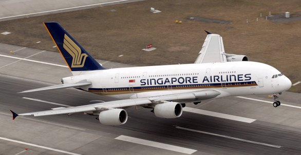 Decollo Singapore Airlines