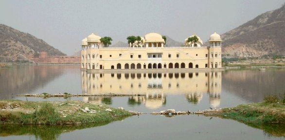 il Jal Mahal in India