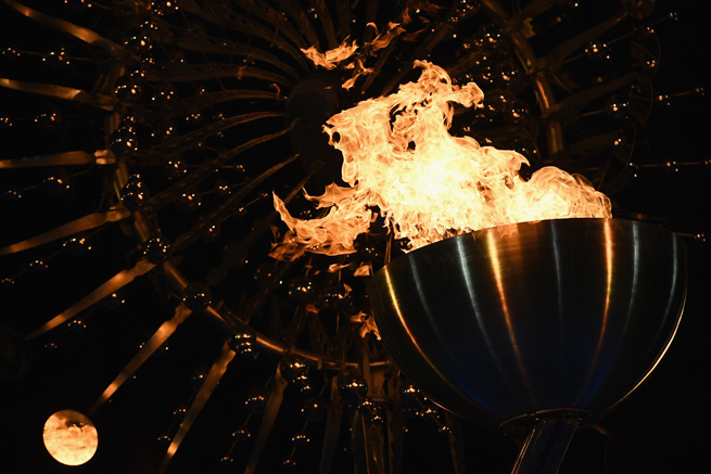 RIO DE JANEIRO, BRAZIL - AUGUST 05: The Olympic Cauldron is lit at the Olympic Boulevard for the 2016 Rio Summer Olympic Games on August 5, 2016 in Rio de Janeiro, Brazil. (Photo by David Ramos/Getty Images)